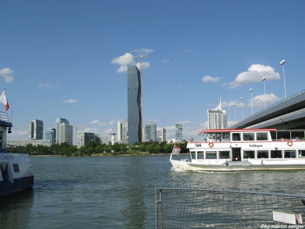 Donau mit Donaucity im Hintergrund