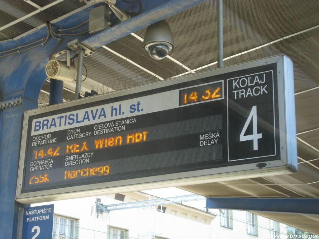 Bahnsteiganzeige in Bratislava