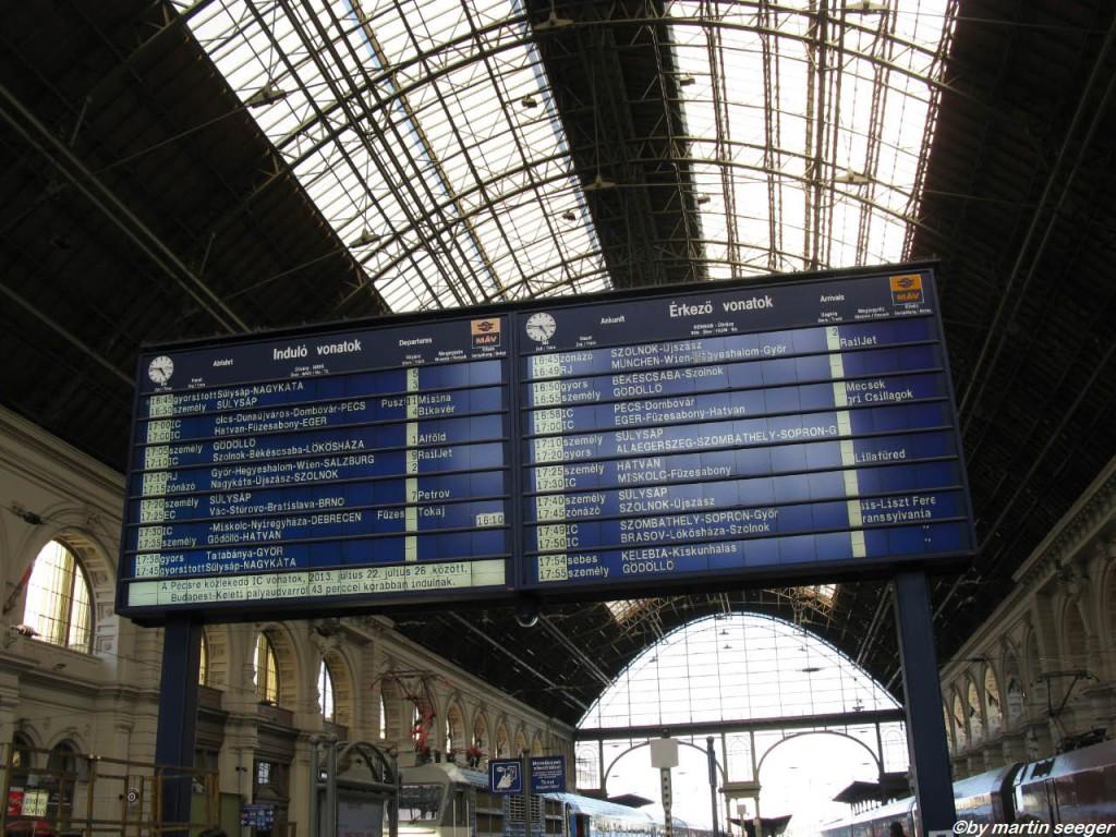Anzeigetafel Budapest-Keleti