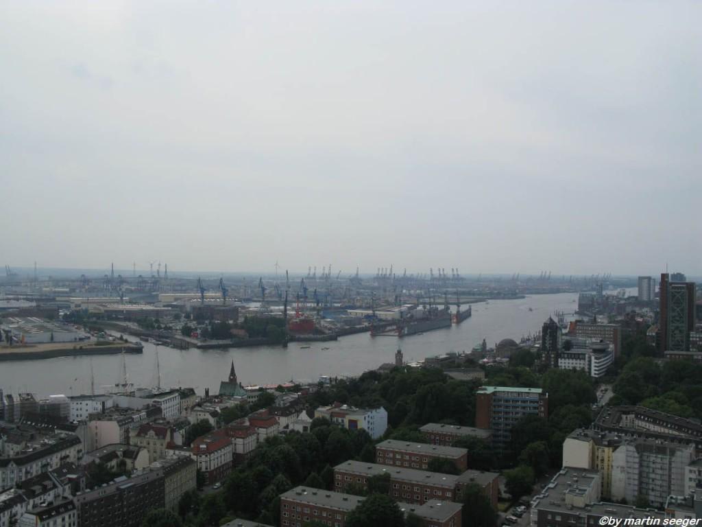 Sicht vom Michel auf den Hafen